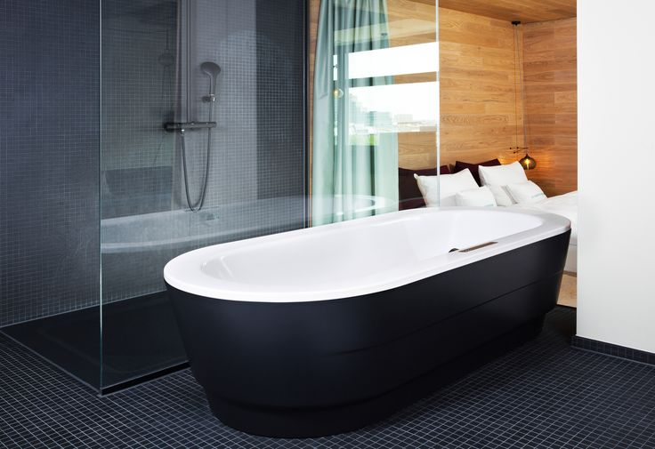 Bathroom // Kaldewei bathtub // Reference: 25 Hours Bikini Berlin Hotel #Kaldewei #Reference #Hotel #25Hours #Bikini #Berlin