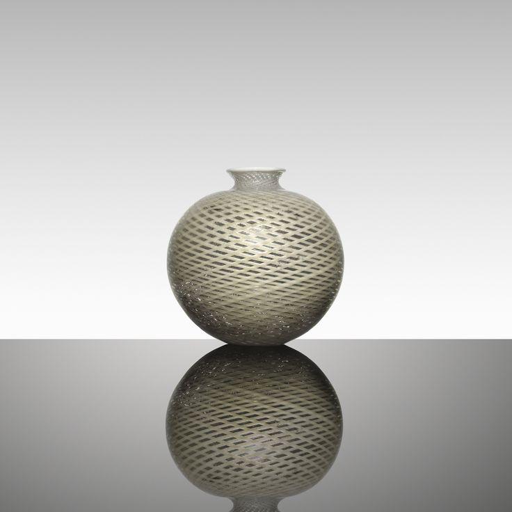 106: Tomaso Buzzi / rare and monumental a Reticello vase < Important Italian Glass, 8 December 2015 < Auctions | Wright