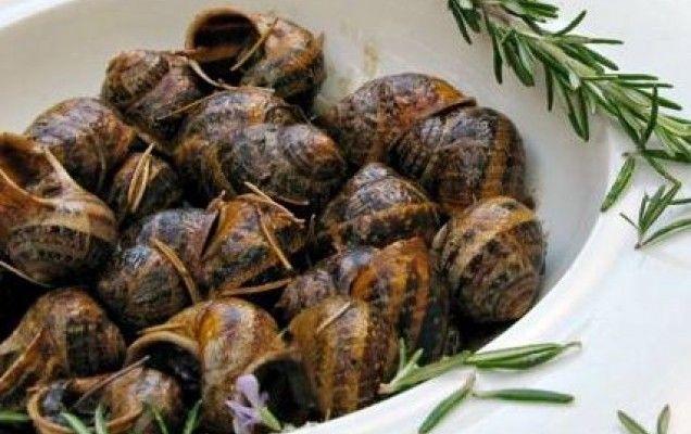Χοχλιοί μπουμπουριστοί (κρητικά σαλιγκάρια)