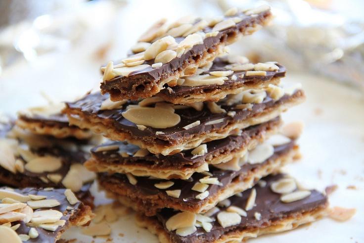 matzo caramel almond crunch | recipes desserts | Pinterest