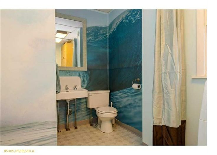 fun bathroom wall painting! http://www.newenglandmoves.com/property/details/935142/MLS-1132874/59-Mechanic-Street-Westbrook-ME-04092.aspx?utm_campaign=EMAIL-Alert-JustListed&utm_source=www.newenglandmoves.com-emailalert&utm_medium=email&utm_content=listing