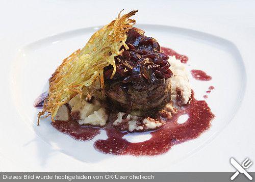 Rinderfilet in Rotweinsoße mit Selleriepüree und Rösti (Rezept mit Bild) | Chefkoch.de