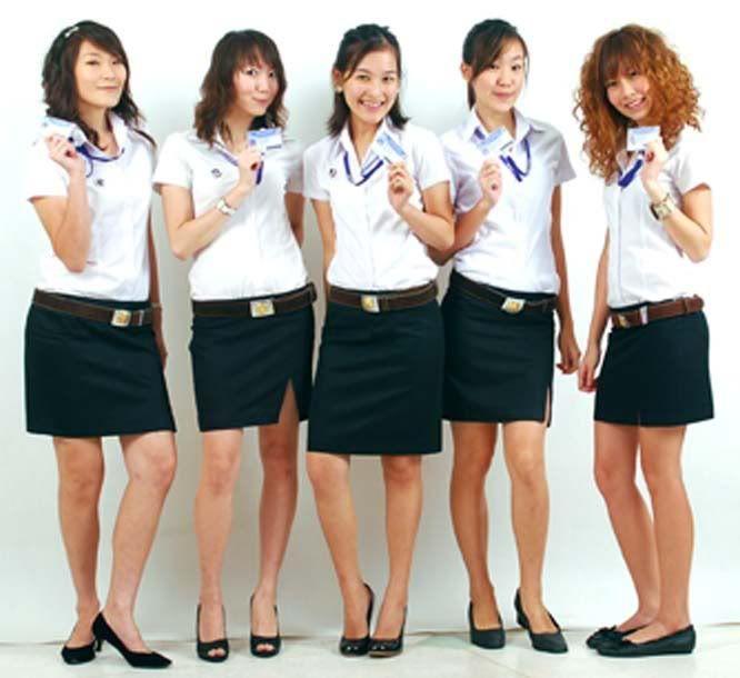 http://www.autecno.com presenta asiaticas, chicas sexys, atractivas, mujeres mostrando sus tarjetas de identidad, carnet, fotocheck, credeciales de pvc, credencializacion, identificaciones con elementos tecnologicos y de ultima tecnologia, nfc, rfid, banda magnetica, chip, smartcard, mifare, hologramas, uv, microtexto, lo que necesites en http://www.credencial.mx imprimimos Credenciales y Tarjetas de PVC