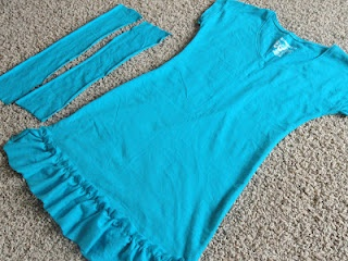 DIY Swimsuit cover from a tshirt via @Michelle Barneck {A Little Tipsy}