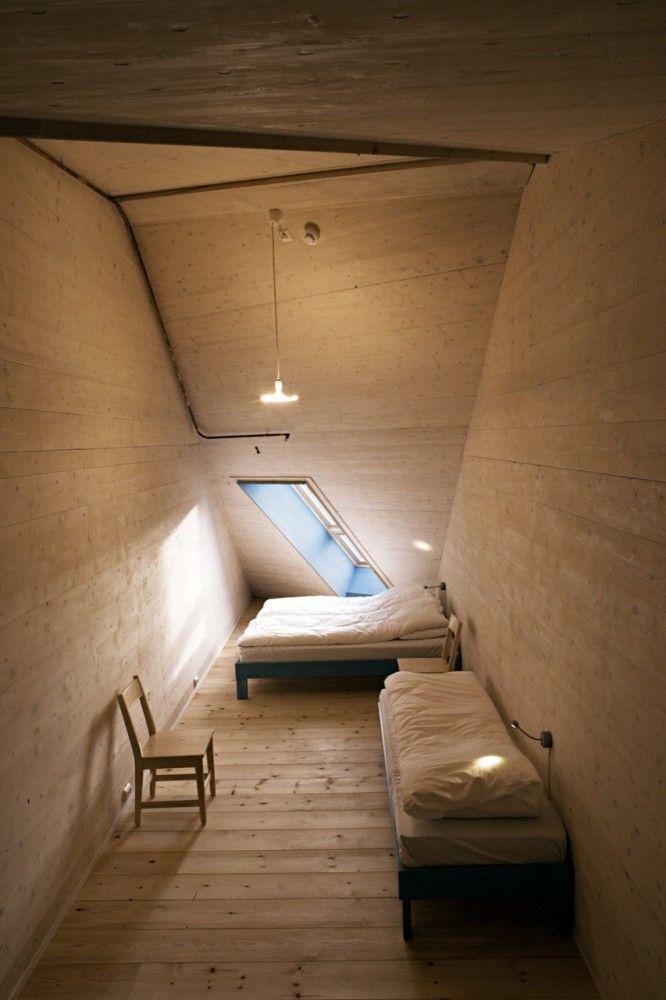 Bedroom / Pulpit Rock Mountain Lodge by Helen & Hard