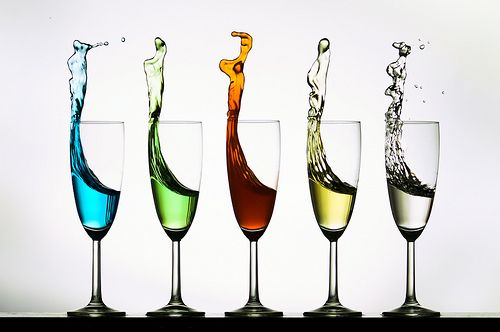 Over the last few days, Flickr Explore has been sizzling with multiple pictures of Vincent Riemersma featuring splashes in wineglasses.    We asked him to explain how he made these pictures and was willing to share this information.