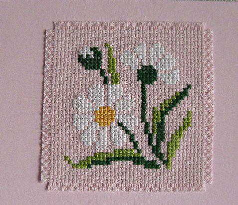 kanaviçe çiçek motif