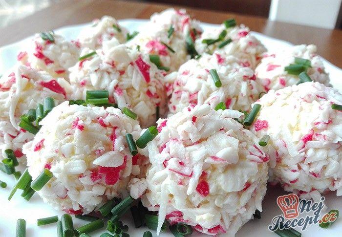 Slané ,,RAFFAELLO,, kuličky z krabích tyčinek, taveného sýra, vařených vajíček, ... Autor: Gaštanka