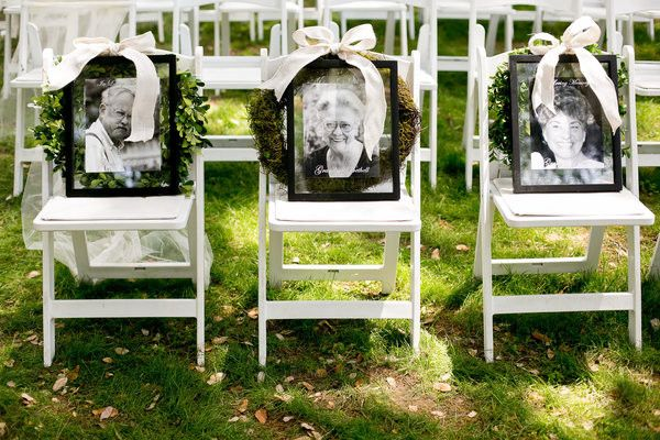 honoring loved ones wedding chair / http://www.deerpearlflowers.com/ways-to-honor-deceased-loved-ones-at-your-wedding/