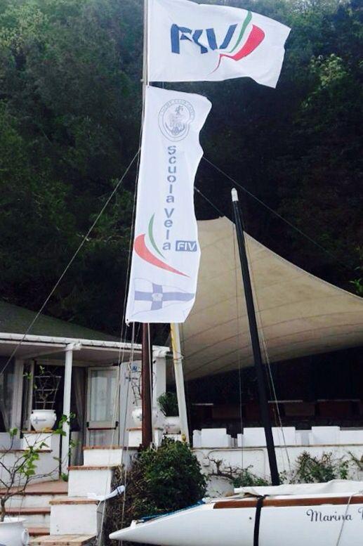 buon #primomaggio a tutti i lavoratori e agli sportivi del mondo della #vela e dello #yachting da #Yacht Club #Capri