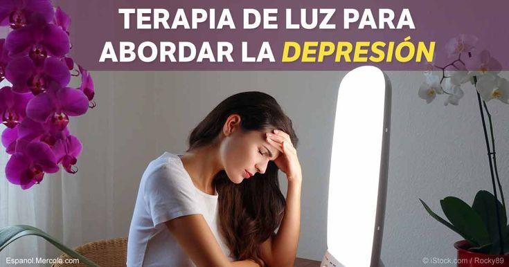 A menudo, se recomienda utilizar la terapia de luz de espectro completo, en vez de antidepresivos, para abordar el trastorno afectivo estacional y la depresión severa. http://articulos.mercola.com/sitios/articulos/archivo/2016/11/17/terapia-de-luz-trastorno-afectivo-estacional-depresion.aspx