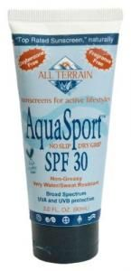 Best Beach & Sport Sunscreens | Look for products with a low score PLUS good UVA and UVB coverage to protect your skin from both sunburn and long-term sun damage. #EWG #sunsafety