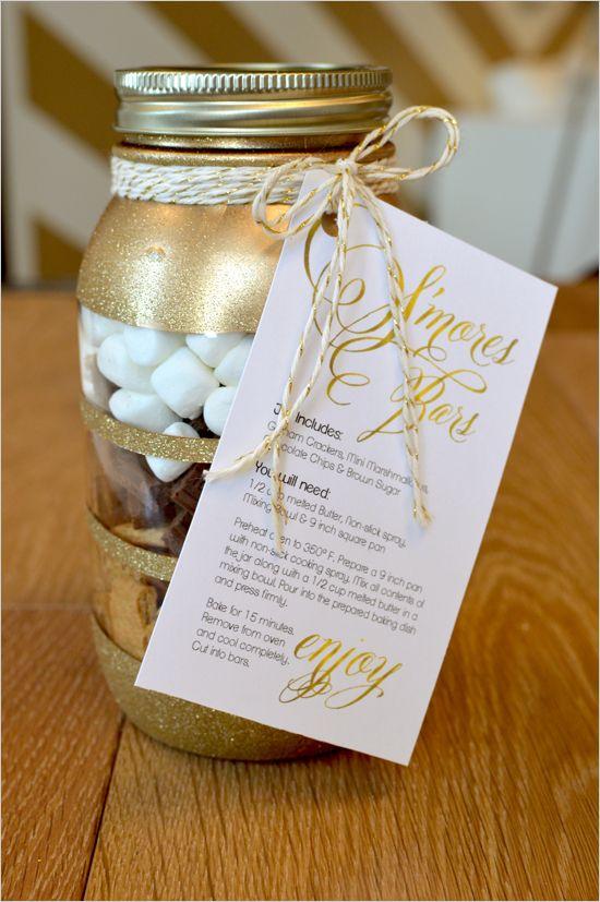 s'mores bars  in a jar   diy christmas gift   free recipe printable   #weddingchicks