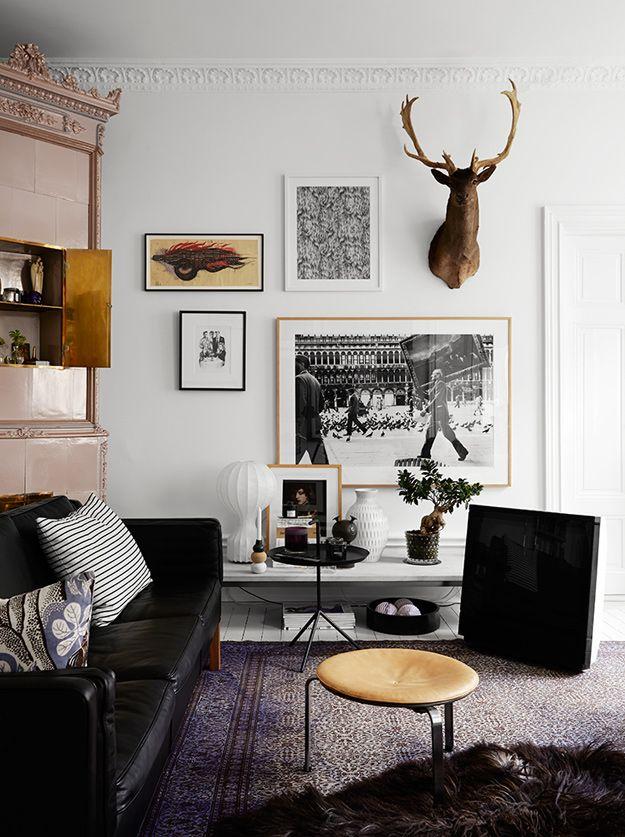 Living Room ǁ Fritz Hansen products: PK33™ stool by Poul Kjærholm