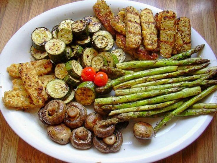 A nyár folyamán örömmel grillezünk, de a sült húsok mellé időnként szívesen fogyasztunk zöldségeket is. A vegetáriánusok is szívesen fogyasztják a grillezett zöldségeket. Ma 3[...]
