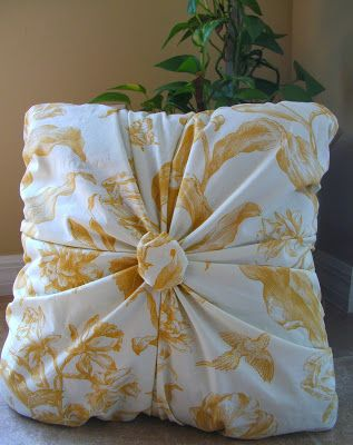 Sew Homegrown: Gather Your Roses - Pillow Tutorial & 1443 best pillows images on Pinterest | Cushions Decorative ... pillowsntoast.com
