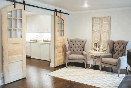 These doors to this butler's pantry are AMAZING! I just want them SOMEWHERE in my house. :)