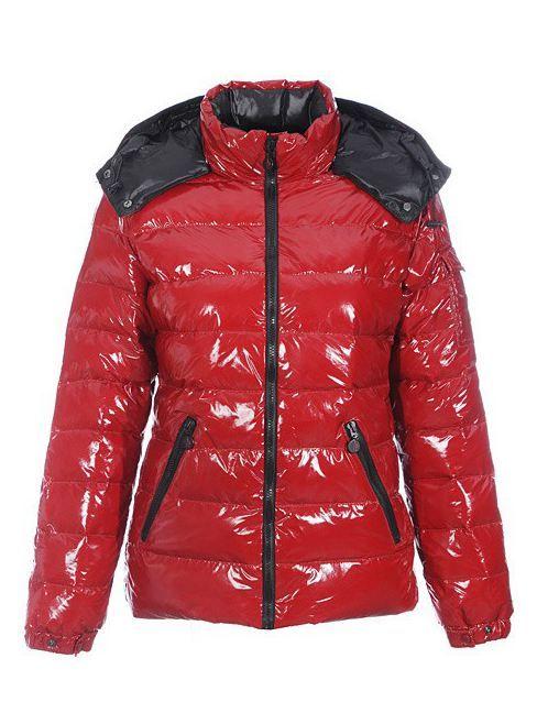 Günstige Moncler Fashion Red Short Mock-Kragen und Reißverschluss Warm Frauen Coats Outlet Moncler Billiger