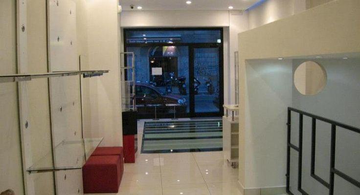 Temporary store Milano: spazio13 zona Navigli, zona esclusiva di Milano, tra Porta Genova (zona Tortona) e la Darsena, luogo di frequenti mercatini e fiere.