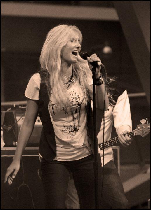 Sass Jordan - SARS Concert - Molson Canada Rocks for Toronto - Downsview Park - July 30, 2003