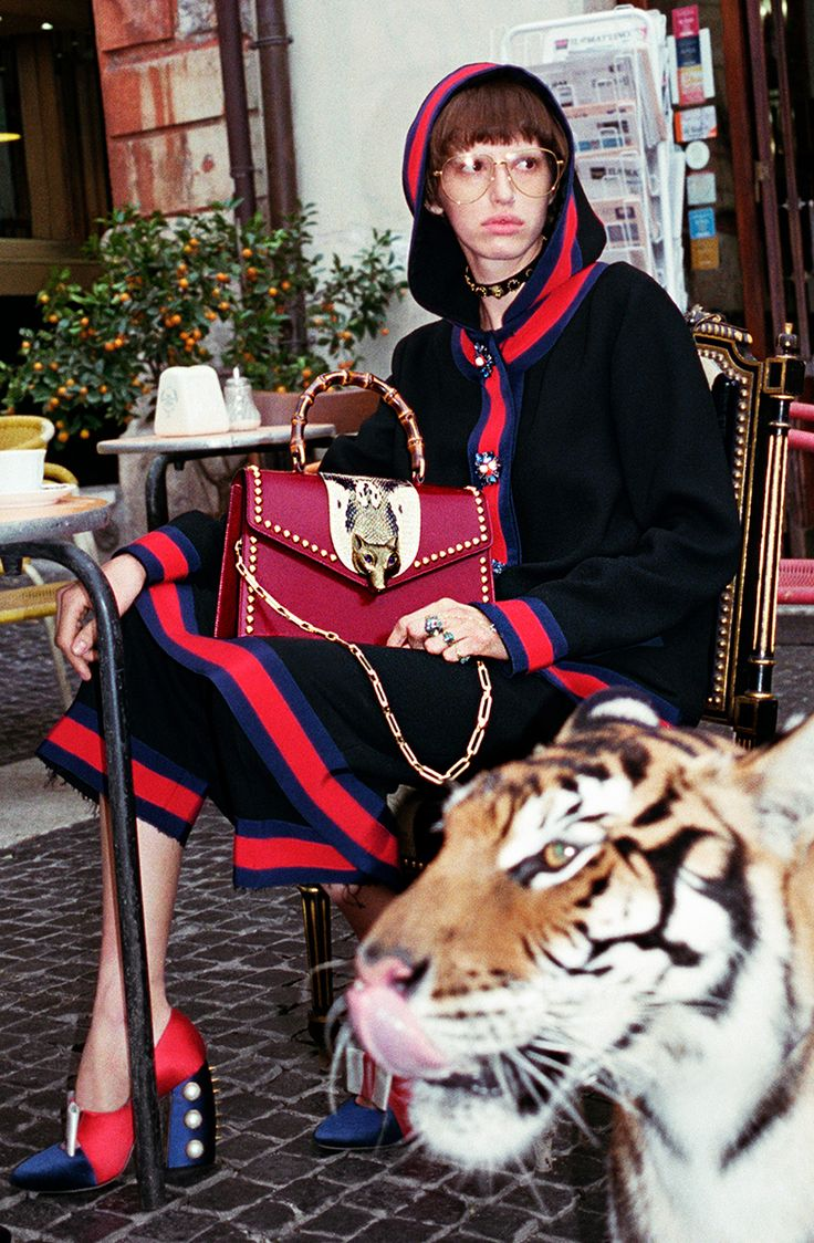 Gucci's campaigns have typically been a thing of art, and this season they're taking their SS17 advertising campaign to the streets of Rome to celebrate the eccentric, surreal and bizarre. Reminiscent of old gladiator-themed movies, the campaign features wild cats such as lions and a cast of other wild characters likegiraffes joining the models (and …