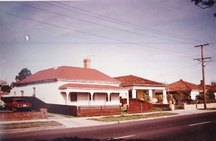 Image - Photo. 24 Spring Street, Reservoir, c 1983 [courtesy Lexie Luly]  Darebin Heritage