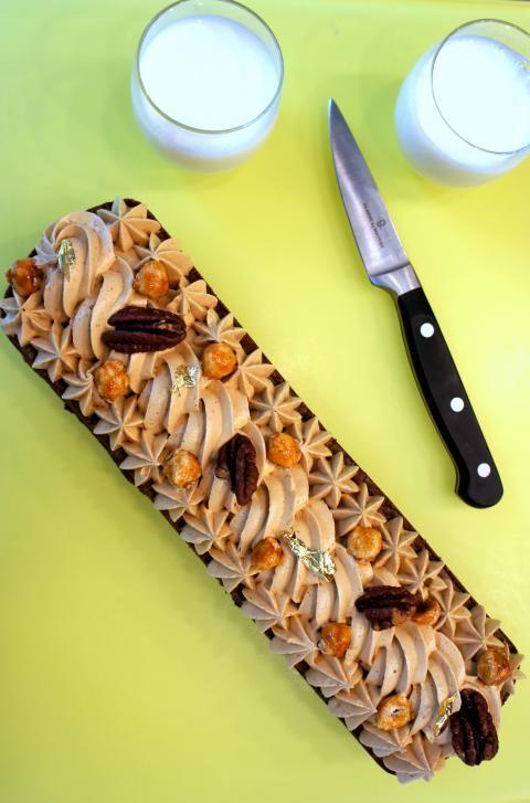 Fine couche de Brownie aux noix de pécan, surmonté de crème pâtissière au praliné <3