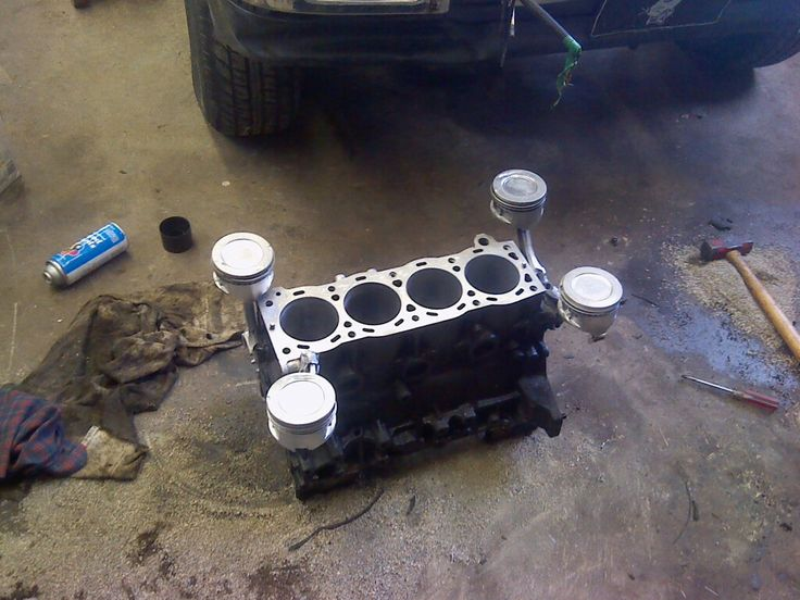 Coffe table in the making, toyota 22re engine block