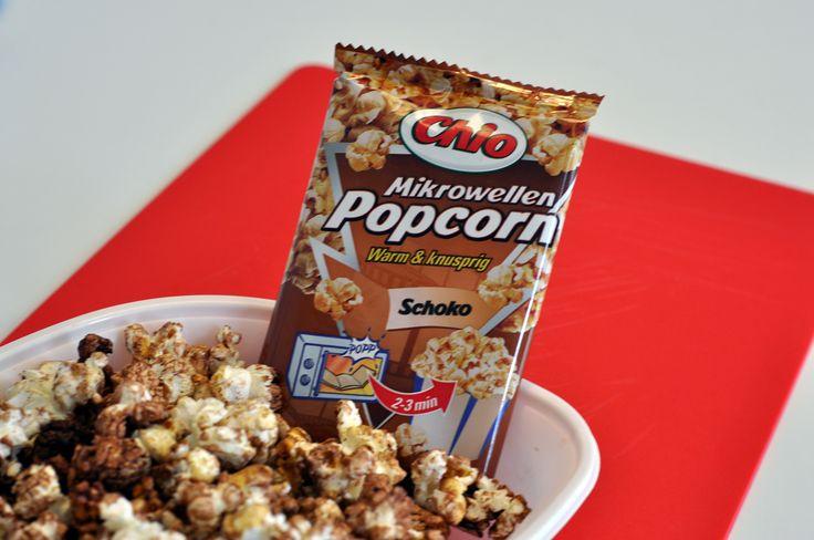Popcorn oder Schokolade? Wir lieben beides! Das Chio Popcorn mit Schokoladen-Geschmack ist der perfekte Begleiter für Filmabende mit Familie und Freunden. Die Tüte einfach 2 bis 3 Minuten erhitzen, aufreißen und sofort genießen.