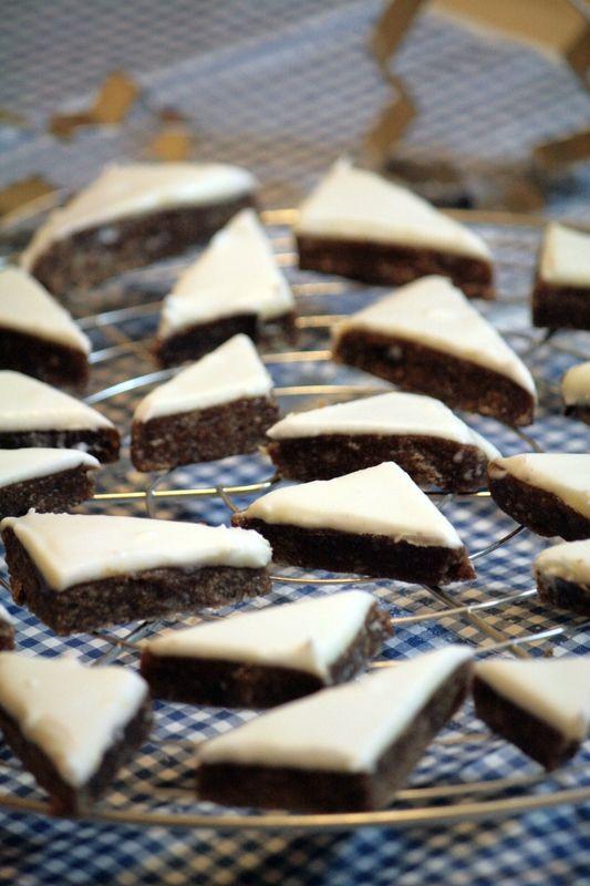 Zimstern de christophe FELDER, ou petits biscuits à la cannelle de Noël...Spécialité Alsacienne