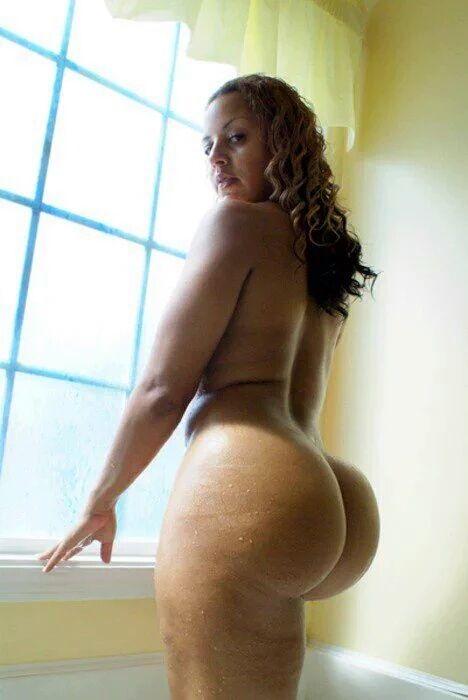Wow thats huge amp large bbw curvy ebony big phat oily azz xx 6