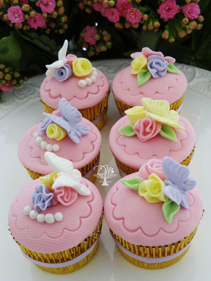 Cupcakes Red Velvet com recheio Trufado de Chocolate Branco - Tema Jardim