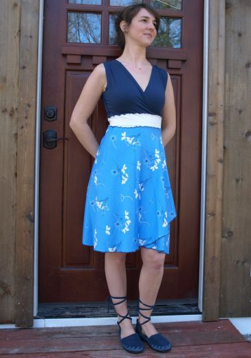 Sweet dress! Made to order. Great for every day summer wear, or get slight different variations for a wedding theme.