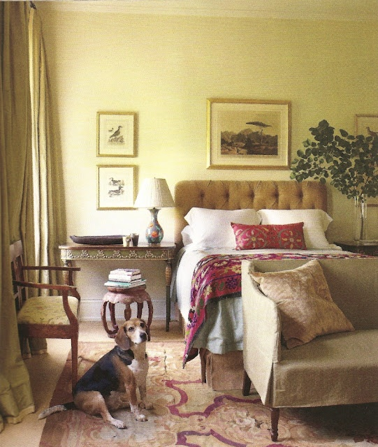 Cream gold and purple red aubusson rug yellow walls red for Elle decoration bed linen