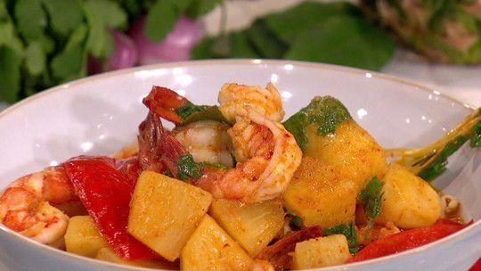 John Torode's prawn and pineapple curry