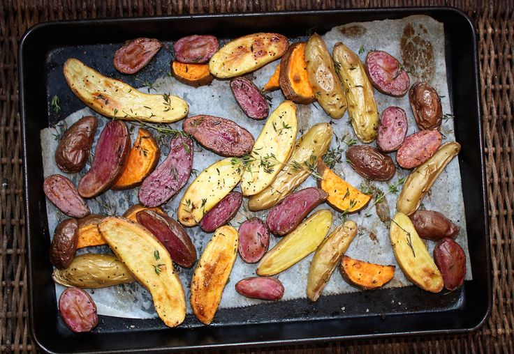 Happy Tuesday, Friends. Today's recipe is an easy and delicious mixture of fingerling potatoes with just the right amount of sweet potato for the low FODMAP limit seasoned with fresh thyme an…