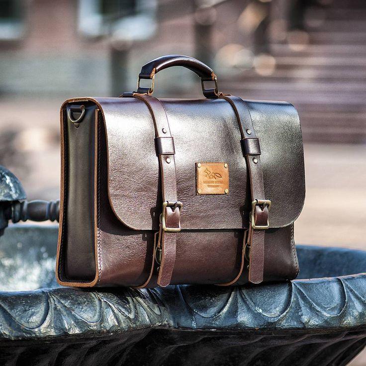Мужской портфель. #artemfoxleather#bag#handcrafted#hand_made#leatherwork#Russia#ручнаяработа#изделияизкожи#кожанаясумка#мужскойкожаныйпортфель#