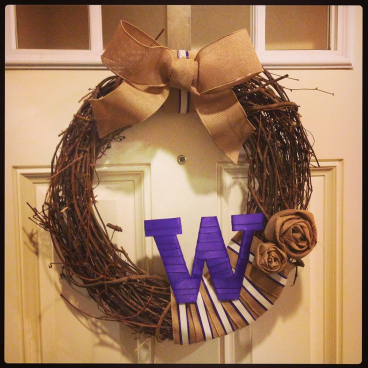 UW Fall Wreath: use family name or favorite team. Adorn with ribbons and burlap. Go Huskies!