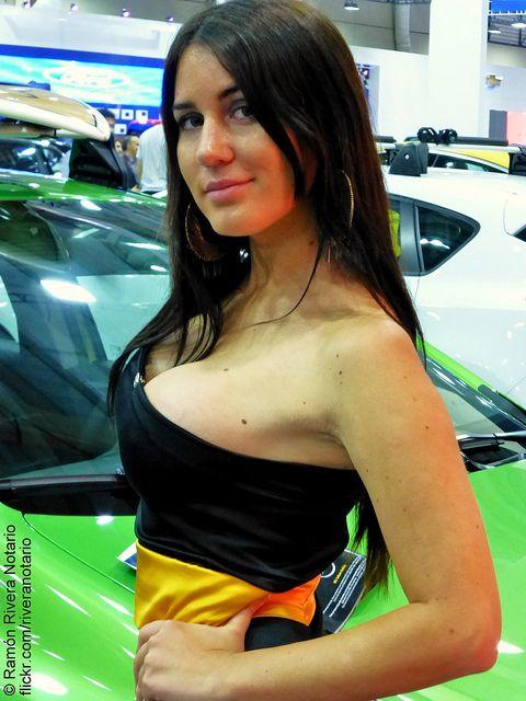 Francisca Undurraga en Salón del Automóvil 2012 mucho antes de ser conocida