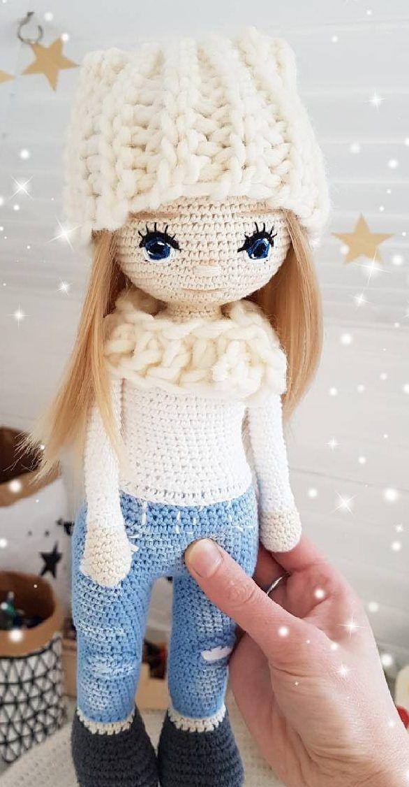 Free Crochet Doll Pattern- The Friendly Grace - thefriendlyredfox.com | 1126x586