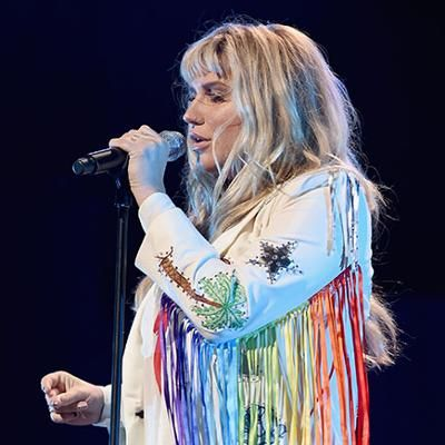 News: Kesha Thanks Fans for Standing by Her at Brooklyn Concert Amid Dr. Luke Lawsuit: 'I Could Not Do This Without You'
