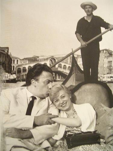 giulietta masina e federico fellini  #GiuliettaMasina #actress #italian…