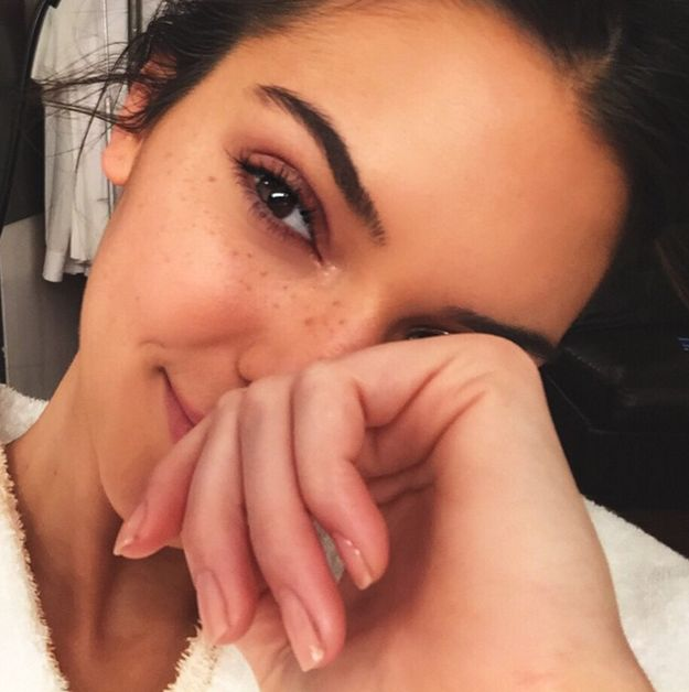 And when applying mascara, use a lash comb in between coats to avoid clumping. | 11 Easy Tricks We Learned From Kendall Jenner's Makeup Artist
