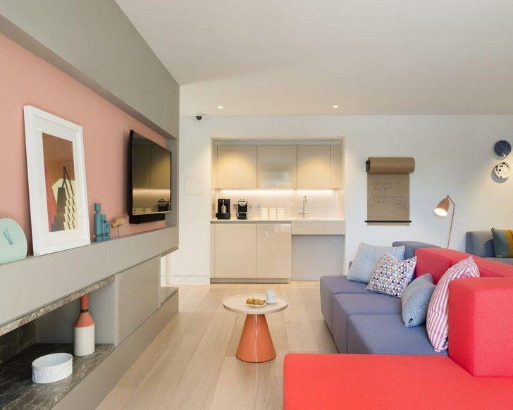 Colorful paris apartment #color #colorful #sofa #interior #livingroom #paris #france #flat #pastel #minimalistic #modern