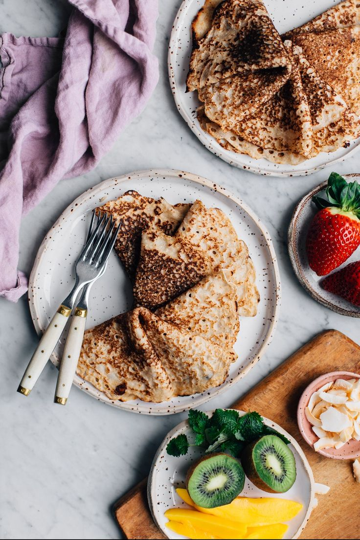 Gluten-free and Vegan Coconut Pancakes | tuulia blog
