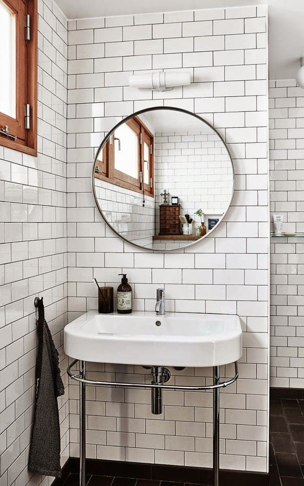 Subway tiles & round mirror