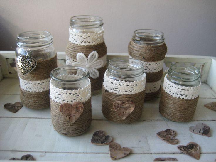 vaasjes / lichtjes van glazen potjes gemaakt met touw en lint