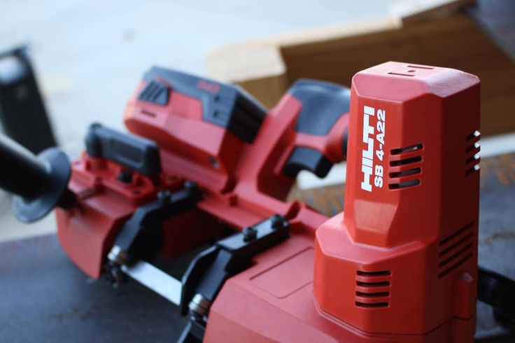 The upcoming Hilti SB 4-A22 Cordless Bandsaw has been leaked on Facebook - check out the details!  #Hilti #bandsaw #tools #powertools #cordlesstools #22V   https://www.protoolreviews.com/tools/power/cordless/saws-cordless/hilti-22v-cordless-bandsaw-spotted/28418/