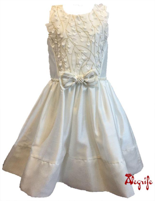 43d71433e Vestido Infantil Petit Cherie de Shantun Off White. Blusa com bordados em  linha dourada