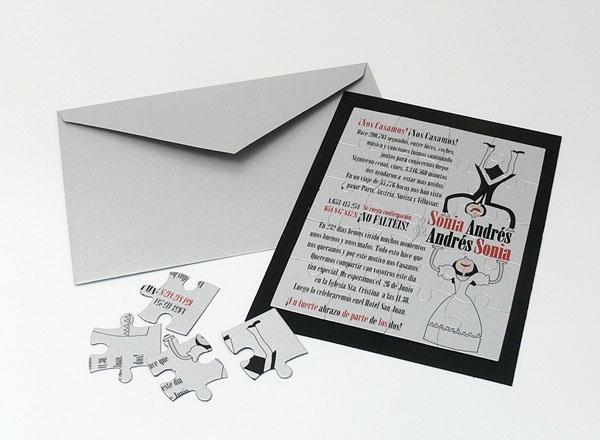 Invitación de boda diferente en forma de puzzle en sobre